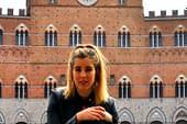 """TIERRA ESTELLA GLOBAL - Andrea Llombart - Siena. """"Para una estudiante de Historia del Arte es una suerte pasear por estas calles"""""""