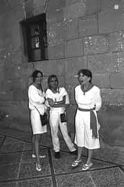 14. 1998. Loreto y María Jordana y Conchita Roa.
