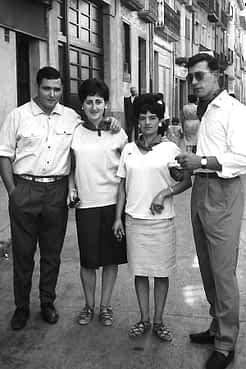 27. 1966. Jesús, Mª Carmen, Camino y Antonio.