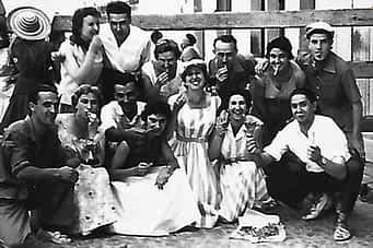 Fernando Cabanés, Monchi Aróstegui, José Mª Cabanés, Josefina Plaza, Francisco Cabanés, Juli Solano, Enrique Zúñiga e Isabel Solano.