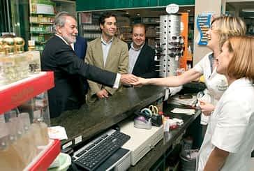 Mayor Oreja, cabeza de lista del PP en Europa, visitó Estella en campaña