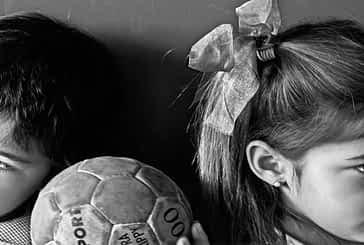 Las fotografías del concurso sobre igualdad se exponen en el polideportivo estellés
