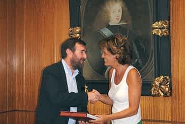 El Ayuntamiento recibe del Gobierno de Navarra el catálogo de bienes muebles