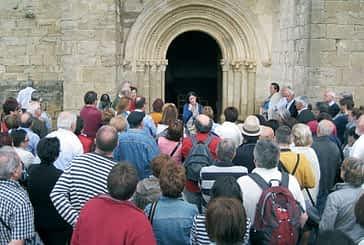 Trescientas personas disfrutaron de una  jornada románica en Guesálaz