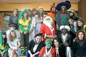 El teatro puso en el colegio El Puy el 'verdadero espíritu de la Navidad'