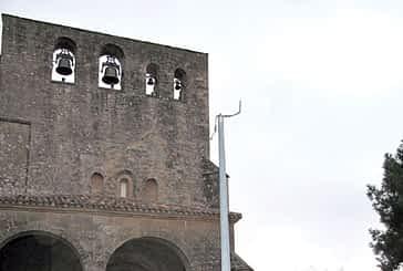 Roban cuatro focos de la iglesia del monasterio de  San Jorge de Azuelo