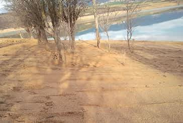 El embalse de Alloz se prepara para el verano con la adecuación de una playa