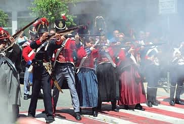 Carlistas y liberales tomaron las calles y plazas de Estella