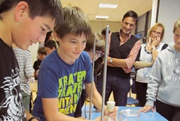 La asociación Dictel organizó el taller titulado 'Tres gases en el aire'