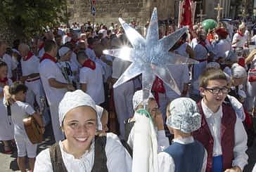 Domingo, procesión y pañuelada - 07-08-2016