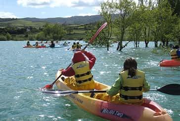 Concienciación medioambiental, deporte y ocio en la bahía de Úgar