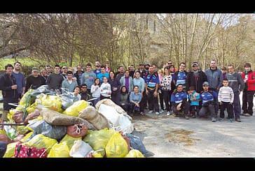 'El Esguín' reúne a cien voluntarios que retiran 850 kilos de basura del Ega