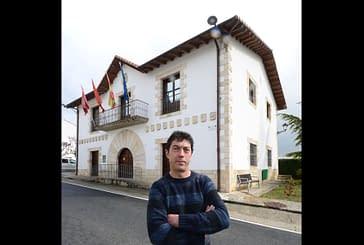 """NUESTROS ALCALDES - Ramiro Urra Markotegi - Valle de Yerri - """"Vemos el presente del  valle con posibilidades"""""""
