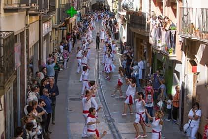 larraiza-50-aniversario-con-homenaje-a-la-jota-vieja-calle-mayor-5