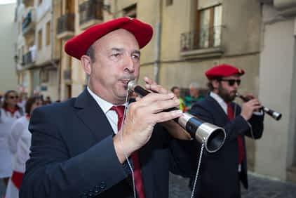 larraiza-50-aniversario-con-homenaje-a-la-jota-vieja-calle-mayor-7