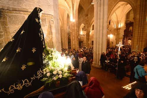 La Dolorosa no pudo salir de la iglesia de San Miguel el Viernes de Dolores con motivo de la fuerte lluvia.