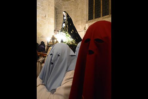 La celebración religiosa del Viernes de Dolores se realizó a cubierto.