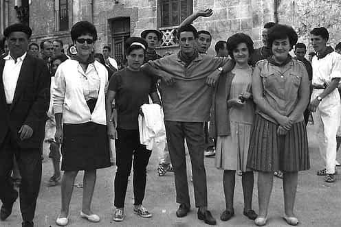 23. 1963. Iginio, Mª Carmen, Conchi, J. Mari, Conchi y Angelines.