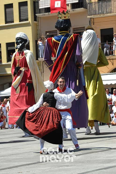15-08-06 - fiestas de estella - revista calle mayor (6)