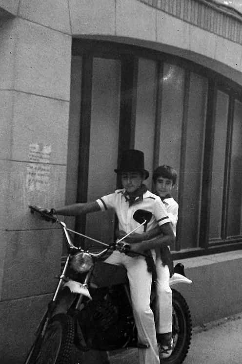 29. 1979. Javier y Mikel Muñoz.