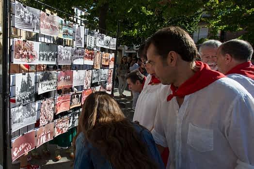 larraiza-50-aniversario-con-homenaje-a-la-jota-vieja-calle-mayor-1