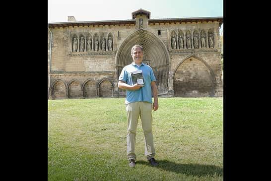 """ENTREVISTA - Andrés Valencia - Escritor - """"Me quedo con la historia de la parroquia y de la gente que hizo todo lo posible por conservarla"""" - Andrés Valencia -"""