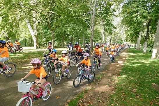 Más de 850 personas en el 30 aniversario del Día de la Bicicleta