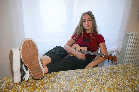 """LOCOS POR... La música - MAIA CATALÁN - """"Hacer mi música y transmitir emociones es lo que más me gustaría del mundo"""""""