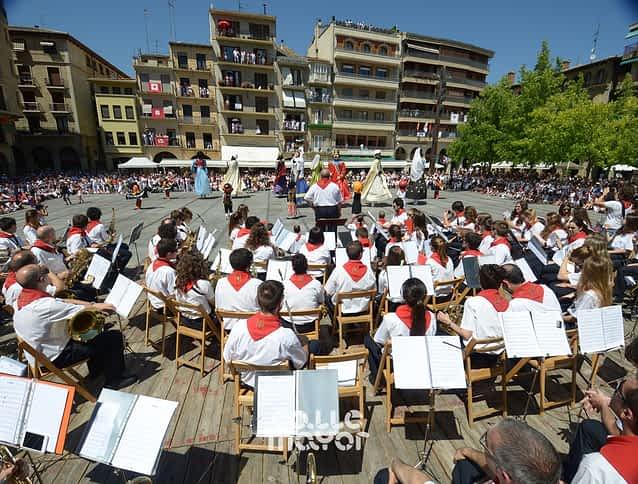 15-08-06 - fiestas de estella - revista calle mayor (15)