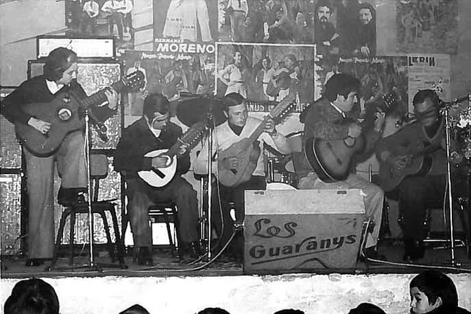 30. 1970. La rondalla del Ega. Félix Ángel Castillo, Pedro Maestu, Mari Cortés, Ramón Cortés, Antonio Ramos.