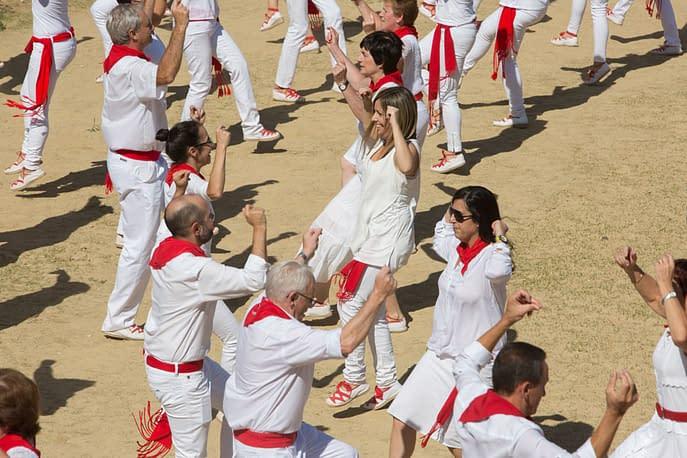 larraiza-50-aniversario-con-homenaje-a-la-jota-vieja-calle-mayor-20