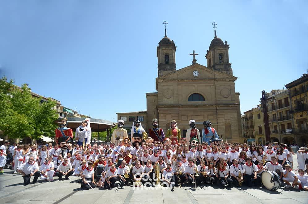 15-08-06 - fiestas de estella - revista calle mayor (18)
