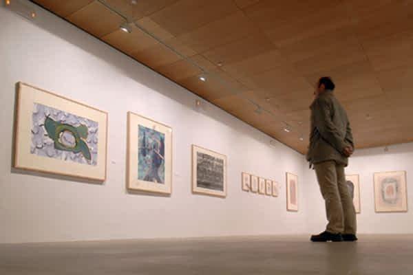 El museo estellés alberga la obra gráfica de Luis Gordillo