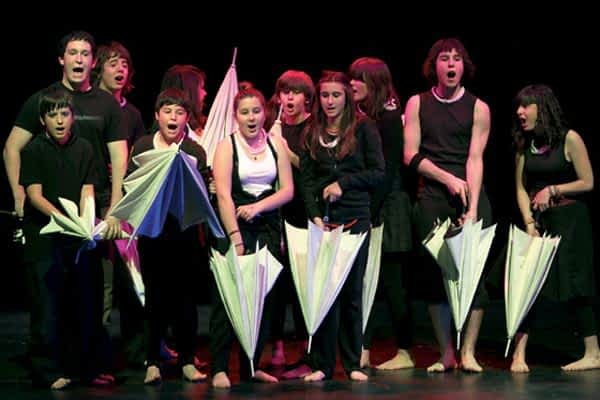 Representada la nueva obra del grupo de teatro de Lizarra Ikastola