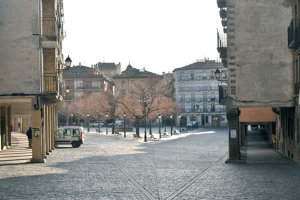El Ayuntamiento no restaurará el tráfico en la plaza Santiago