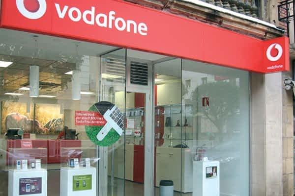 Vodafone renueva su imagen y se traslada al paseo de la Inmaculada