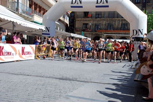 A la carrera por las calles de Estella