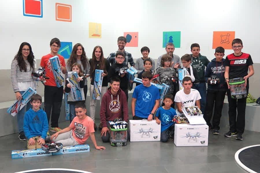 El séptimo Campeonato de Robótica aglutinó a trece equipos