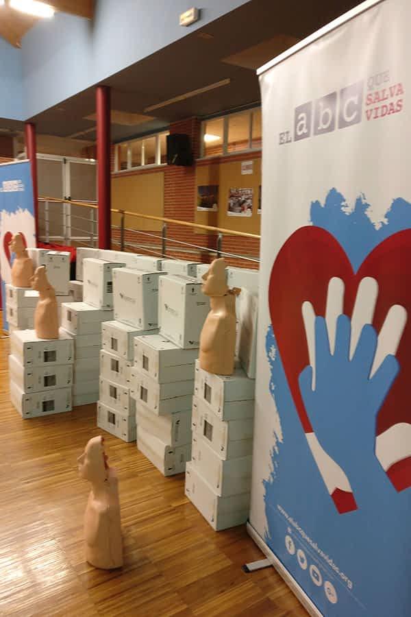 Muñecos de reanimación cardiopulmonar para los centros escolares