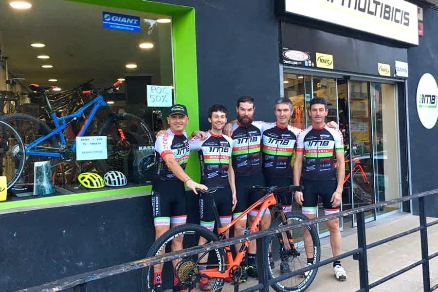 Presentado el equipo ciclista DMB-Koshkil