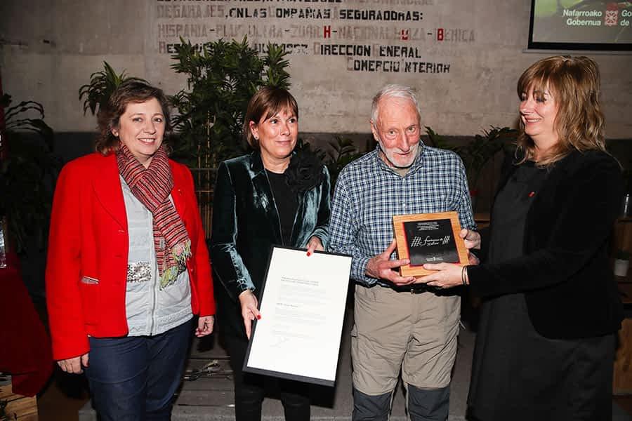 El científico Adolfo Eraso recogió el Premio Francisco de Javier 2018