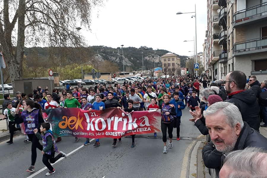 La korrika recorrió 7 kilómetros por las calles de Estella