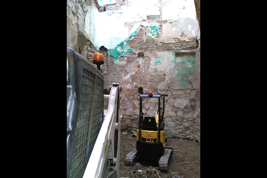 Reaparece un muro que podría pertenecer a la antigua iglesia de San Martín