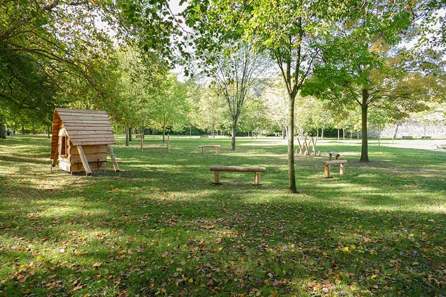 Los Llanos estrenan parque infantil de madera