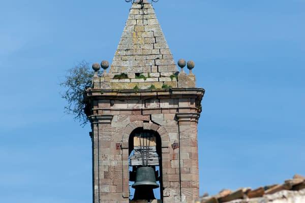 Etayo alerta al arzobispado del peligro de la torre de la iglesia