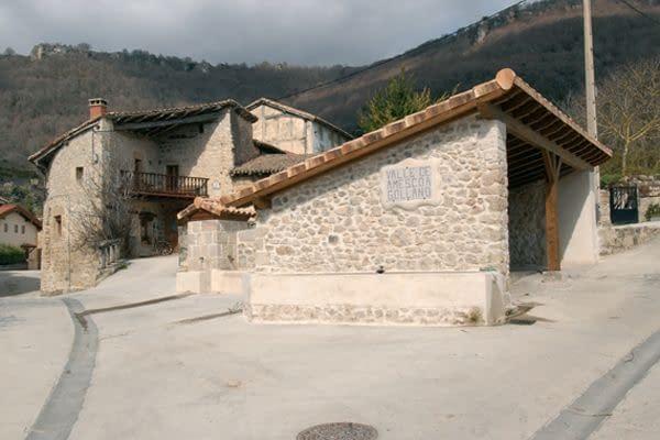 GOLLANO. Con vistas  al balcón de Pilatos