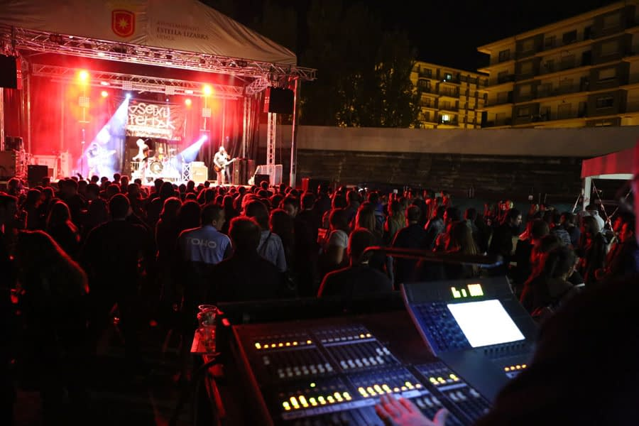 SaldFest hizo vibrar a Estella a ritmo de rock