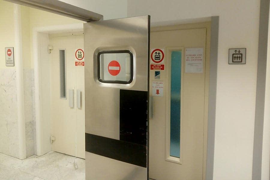 El hospital García Orcoyen renovará su bloque central de ascensores